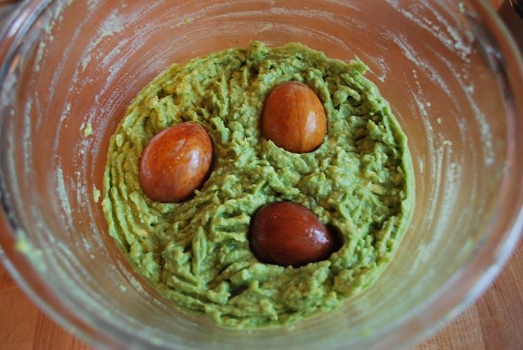 preserve with avocado stones