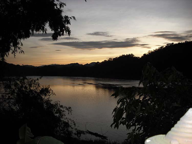 travel laos mekong river