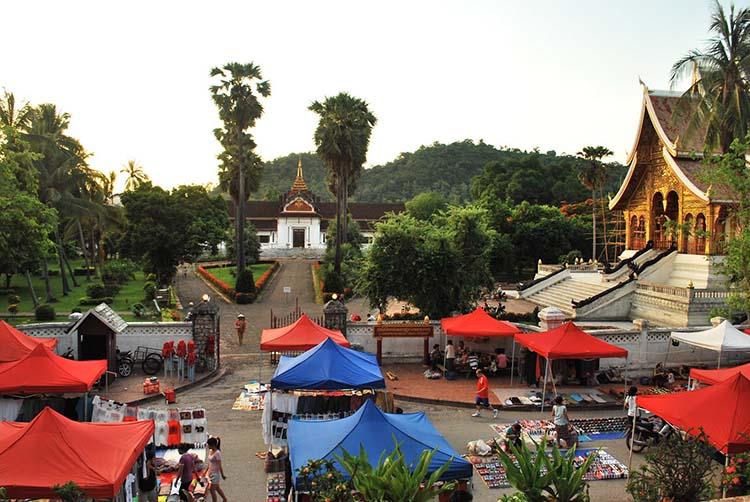 travel luang prabang market