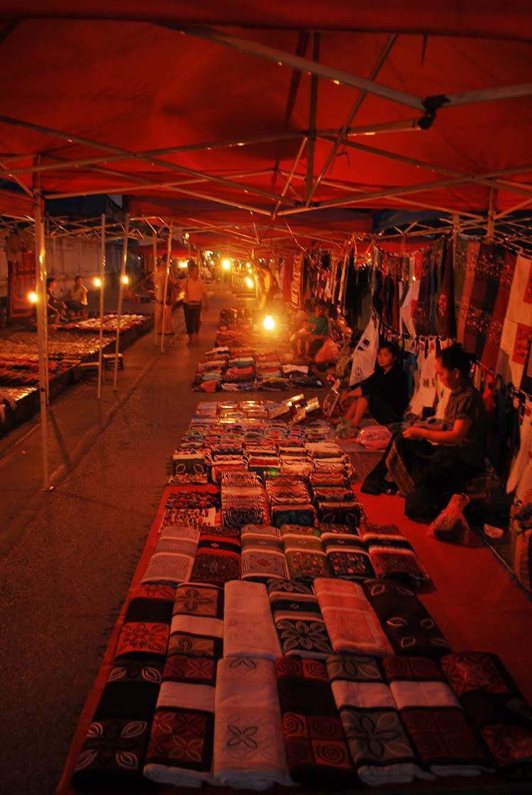 travel night market laos