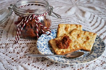 bacon jam and crackers
