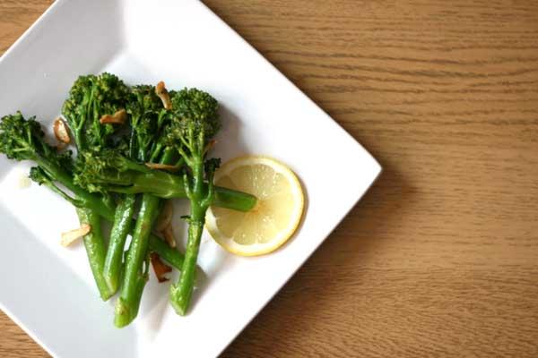 Stir Fried Broccoli with Garlic and Lemon