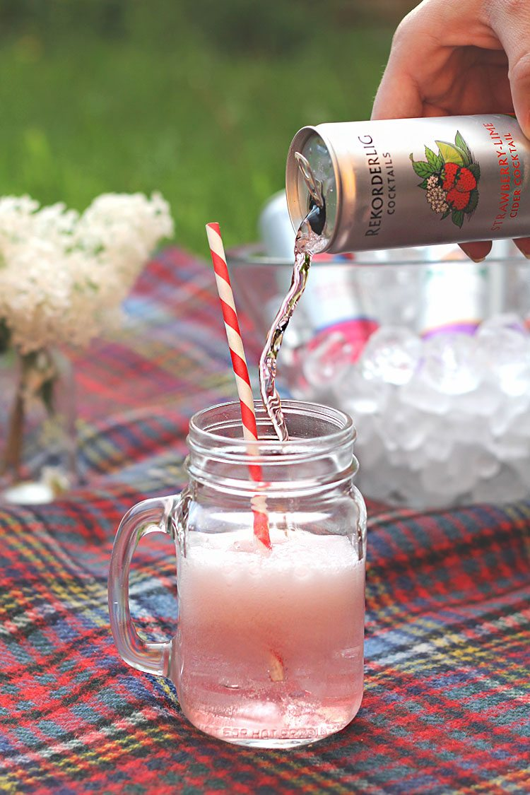 Summer cocktails in a can