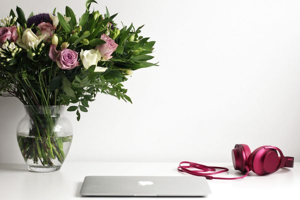Fresh-Flowers-For-the-Desk