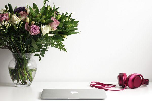 Fresh-Flowers-For-the-Desk