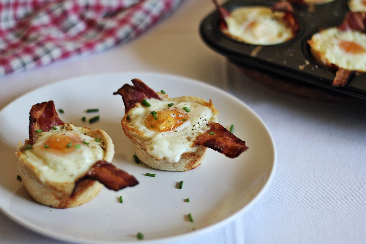 brunch-recipe-bacon-and-egg-breakfast-cups