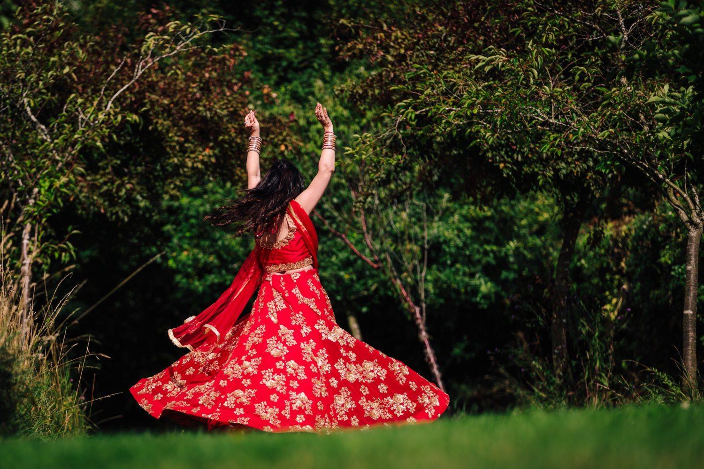 Dancing Hindu Bride