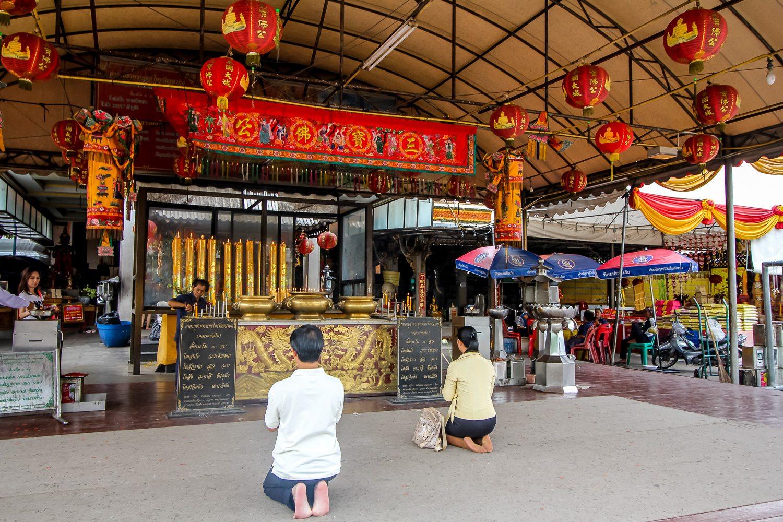 Chinese Temple Praying Ayutthaya
