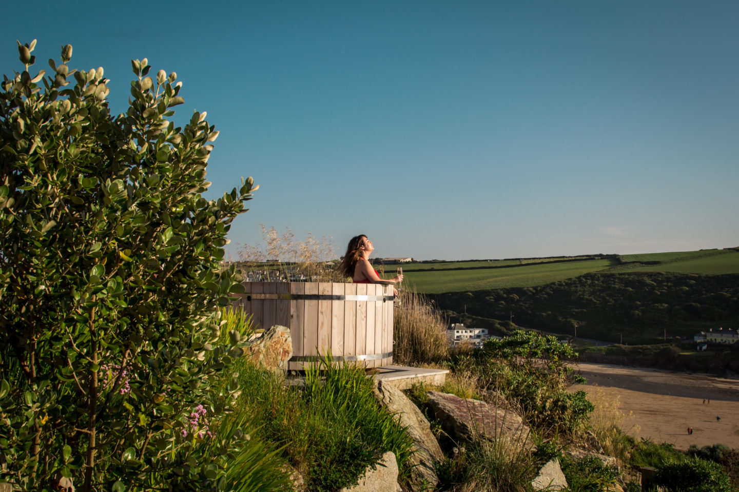 Scarlet Clifftop Hot Tub